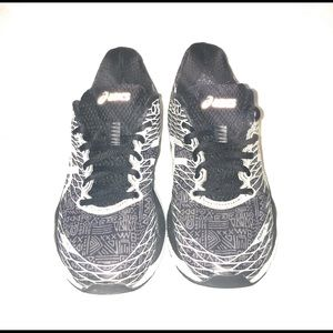 ASICS Size 7.5 Running Shoes - Grey - Womens